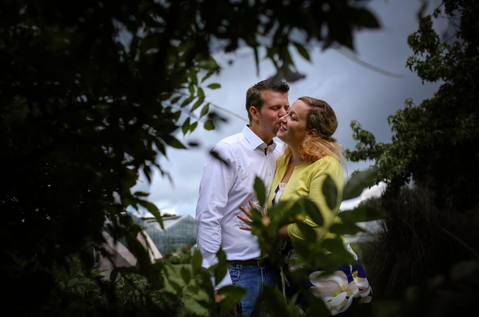 Maartje & Jelle ~Loveshoot ~ Pre-wedding shoot Botanische Tuinen te Utrecht