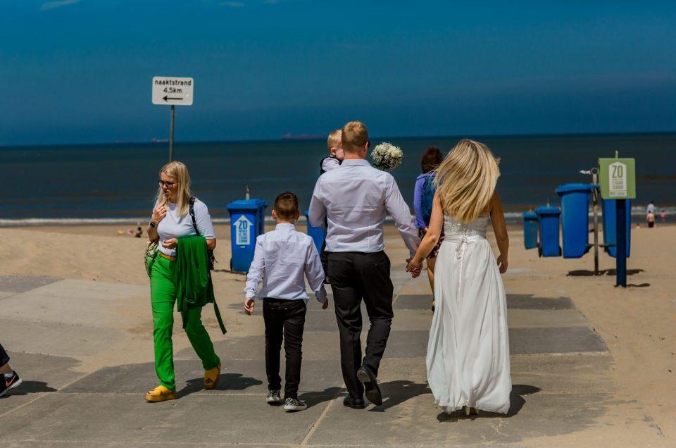Een huwelijk met 1 getuigen werd net iets groter ~ strandbruiloft ~beachwedding ~kasteel Oud-Wassenaar te Wassenaar